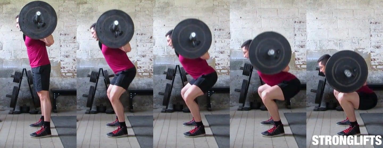 Спуск за счет одновременного движения коленей вперед и таза назад.